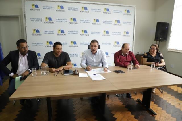 Hildon Chaves assina projeto de lei que regulamenta o transporte escolar - Gente de Opinião