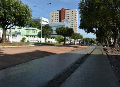 Prefeitura investe R$ 2,6 milhões para melhorar acessibilidade de calçadas no centro comercial de Cacoal