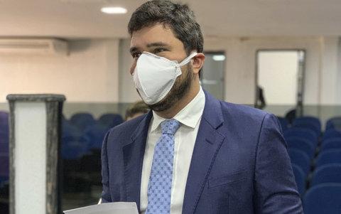 Proposta do vereador Maurício Carvalho amplia benefícios para servidores municipais da saúde na linha de frente ao coronavírus