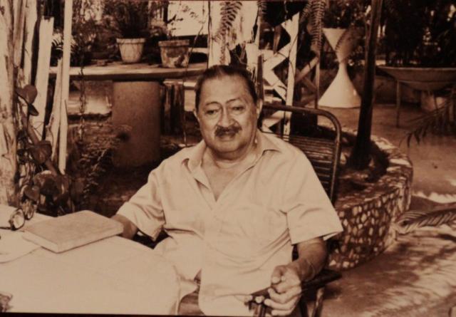 Foto ary pinheiro Médico, antropólogo e escritor Ary Pinheiro, que em 1943 saiu debaixo de muita chuva atirando para o alto, comemorando a criação do Território - Gente de Opinião