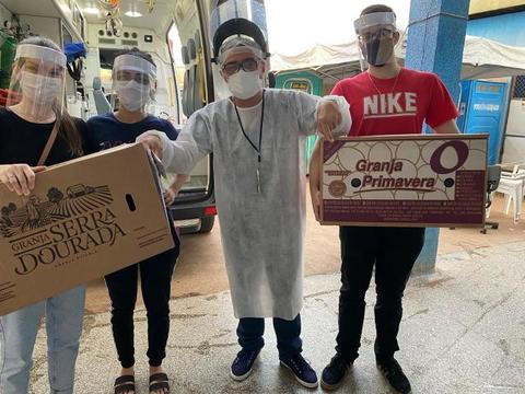 Acadêmicos de Medicina Fabricam e entregam protetores faciais na UPA da Capital