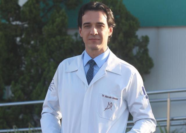 Cirurgião plástico Marcelo Almeida - Gente de Opinião