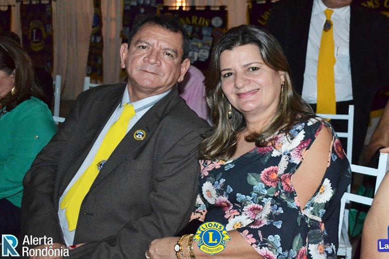 Rony Eguez Vacadiez (com a esposa Zenith), eleito  2º vice-governador do Distrito LA-1.  Assume a Governadoria para o ano 2020.