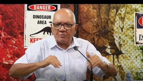 Dinossauros pedem solução para a saúde de Porto Velho
