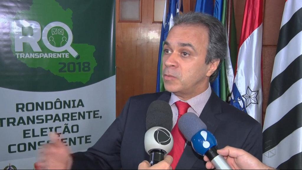 Presidente do TCE, conselheiro Edilon Silva, mostra as entranhas das finanças rondonienses (Foto JCarlos) - Gente de Opinião