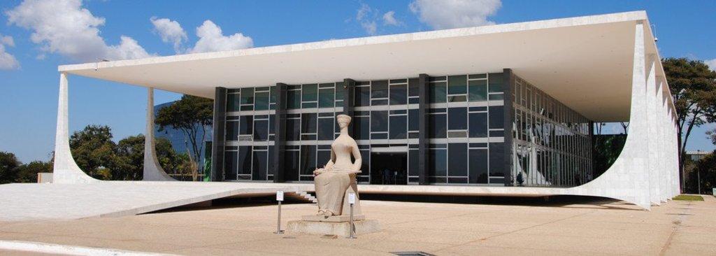 Ação popular pede que Justiça barre aumento de salários de ministros do STF  - Gente de Opinião