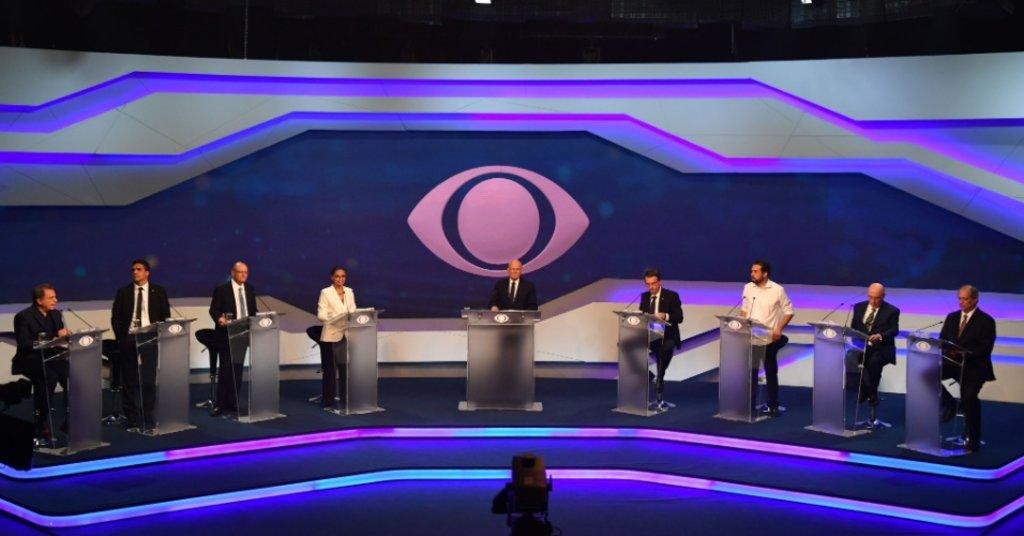 Oito candidatos à Presidência da República participaram do primeiro debate das eleições deste ano. O encontro foi promovido pela Band, em São Paulo - Imagem: Nelson Almeida/AFP - Gente de Opinião