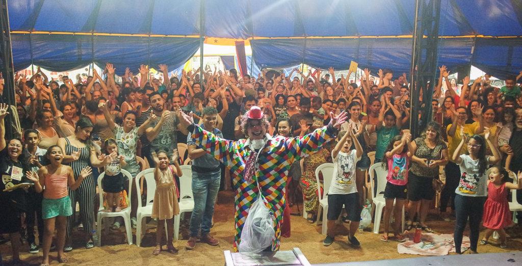 Lona do Palhaço Biribinha lota na abertura do Palco Giratório - Gente de Opinião