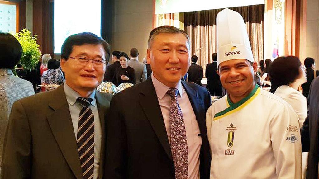 Chef de cozinha do Sistema Fecomercio-Senac apresenta Pirarucu Rondon na Coréia do Sul - Gente de Opinião