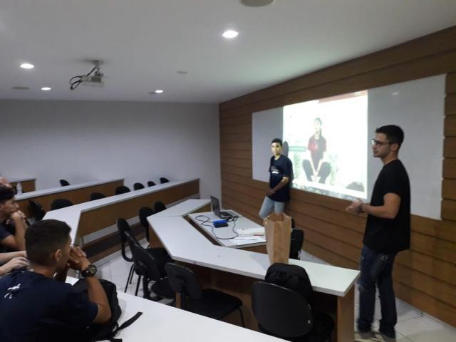 Alunos da Faculdade Sapiens debatem sobre empreendedorismo e e-commerce com a Mind Out - Gente de Opinião