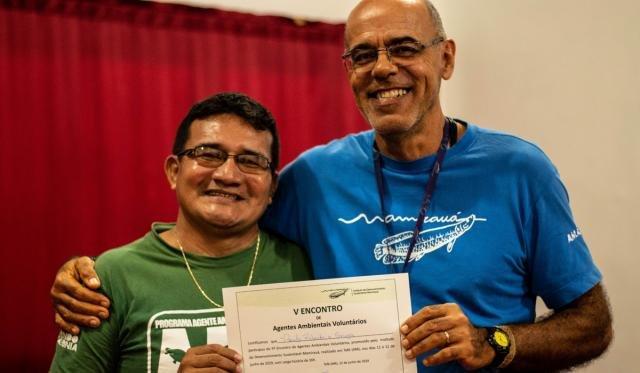 Agentes ambientais receberam certificados (Foto: Júlia de Freitas) - Gente de Opinião