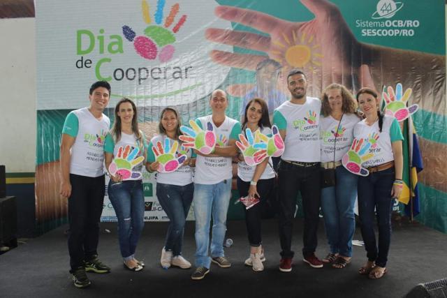 Dia de Cooperar ofereceu a população ji paranaense diversos serviços sociais gratuitos - Gente de Opinião