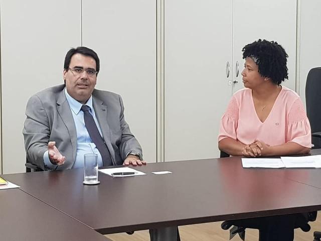 Deputada Silvia Cristina com o subsecretário de Assuntos Administrativos do Ministério da Educação, José Eduardo Couto Ribeiro - Gente de Opinião