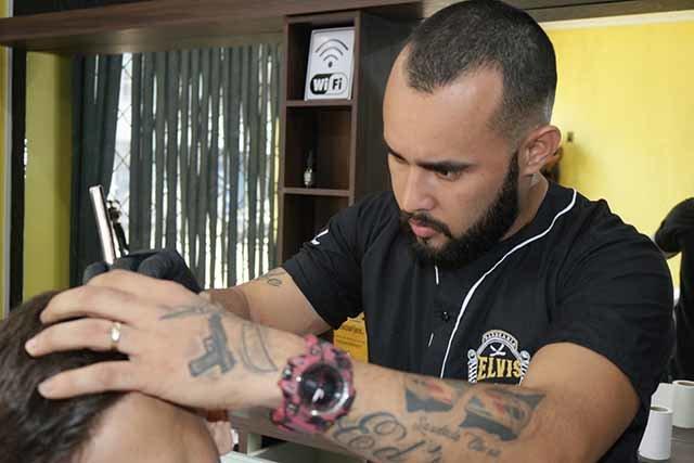 Barbearia que começou atendimentos em bairro carente hoje é sucesso em Ji-Paraná - Gente de Opinião
