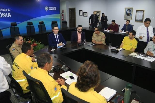 Sala de Situação composta por representantes de várias instituições para traçar os detalhes da Operação Jequitibá - Gente de Opinião