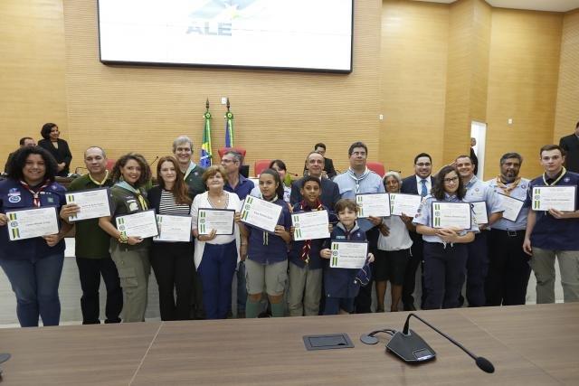 Escotistas de Rondônia recebem homenagem em ato solene na Assembleia Legislativa  - Gente de Opinião