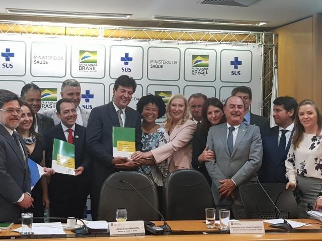 Sílvia cobra ação mais efetiva do Ministério da Saúde na prevenção contra o cânce - Gente de Opinião