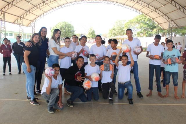 R$ 39 mil reais são investidos em materiais esportivos para as 29 escolas municipais de Vilhena - Gente de Opinião