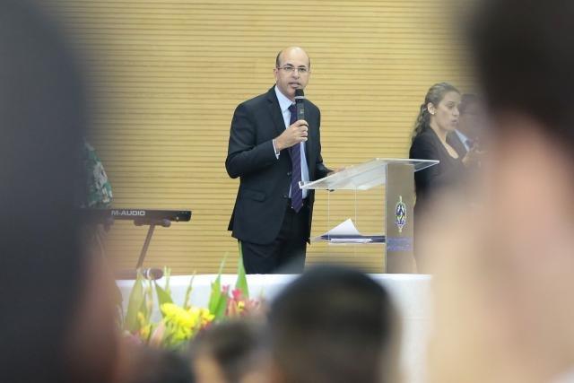 Deputado Ismael Crispin visita escolas e convida alunos para participar dos concursos de redação e da escolha da Bandeira da Assembleia Legislativa - Gente de Opinião