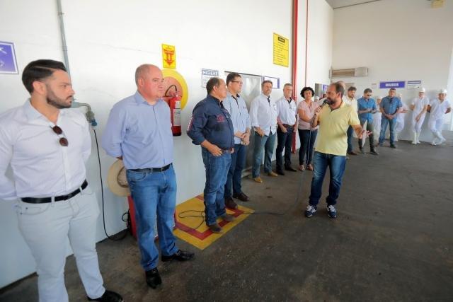 Presidente Laerte Gomes anuncia R$ 800 mil para construção de UBS durante visita ao frigorífico Rio Beef - Gente de Opinião
