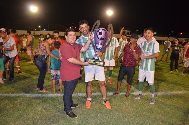Prefeitura de Rolim de Moura encerra Campeonatos de futebol de campo em grande estilo  - Gente de Opinião
