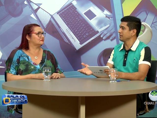No Programa Sala de Opinião João Ricardo entrevista a ginecologista e coordenadora do curso de medicina Conceição Simões - Gente de Opinião