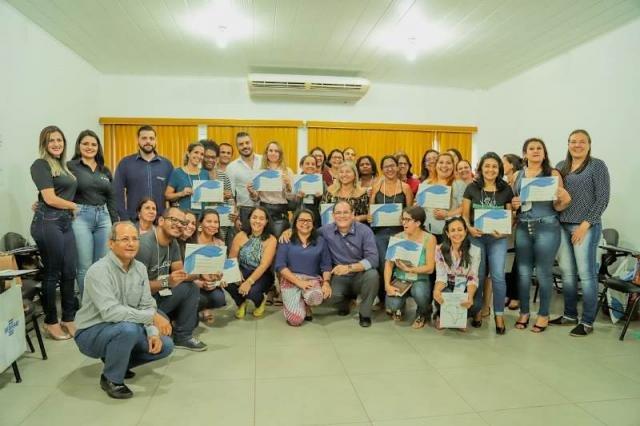 Sebrae e Sicoob concluem a capacitação para professores de 33 municípios - Gente de Opinião