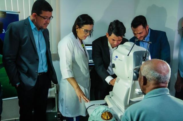 Primeiro exame realizado por meio do aparelho de Tomografia de Coerência Óptica - Gente de Opinião