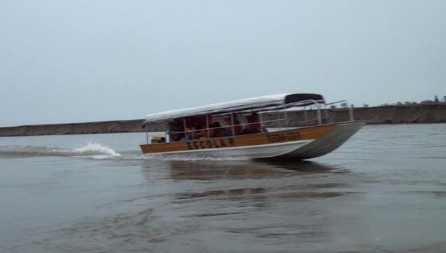Aproximadamente 60 embarcações já efetuando o transportes dos estudantes - Gente de Opinião