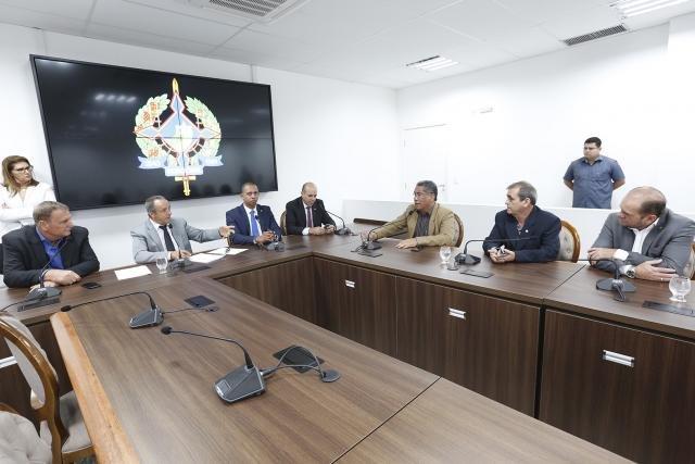 Comissão de Educação da ALE discute tabela do piso do magistério com secretário da Seduc - Gente de Opinião