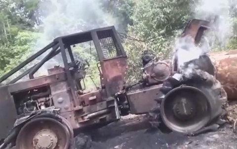 Madeireiros denunciam: Incêndio em veículos na Flona Jacundá foi criminoso