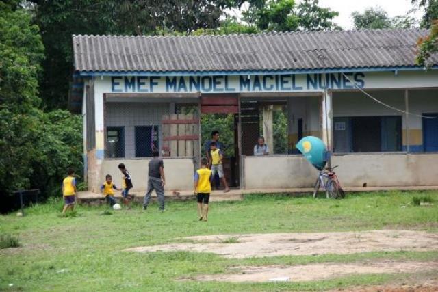 Da escola municipal, 24 crianças usam o transporte escolar fluvial contratado pelo estado - Gente de Opinião