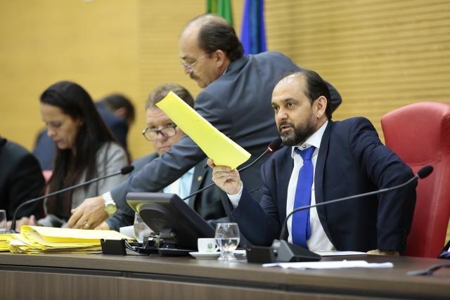 Aprovado projeto do presidente Laerte Gomes que suspende eleições de diretores de escolas públicas - Gente de Opinião