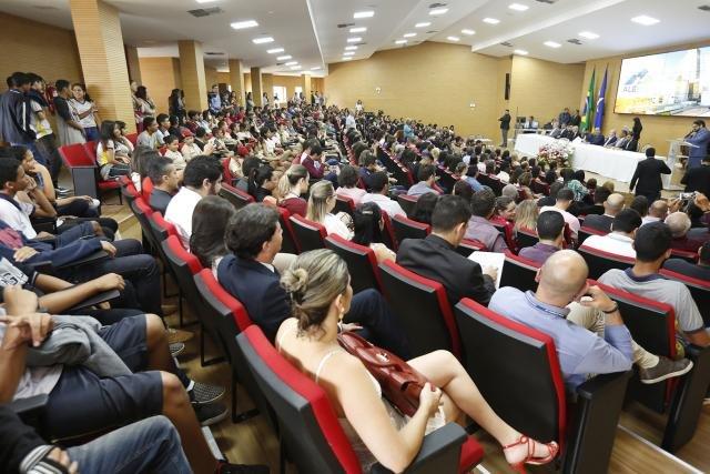 Vencedores de concursos recebem premiação durante grande evento na Assembleia - Gente de Opinião