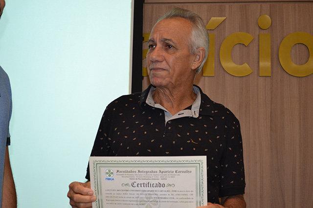 Após fazer ENEM pela 5ª seu João de 64 anos ganha bolsa de engenharia na FIMCA - Gente de Opinião