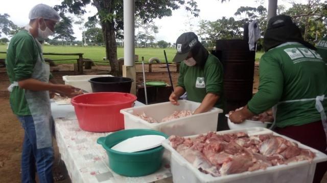 Prefeitura de Rolim de Moura capacita produtores rurais sobre defumados e embutidos - Gente de Opinião