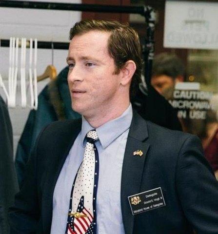 """Delegado David E. Vogt, III - O constituinte sugere """"opção de cremação"""" para as carteiras de motorista de Maryland - Gente de Opinião"""
