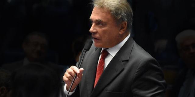 Senador Álvaro Dias Examina Divisão de Royalties ao Povo - Gente de Opinião