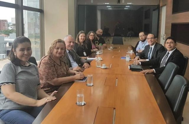 Reunião realizada durante visita ao novo ouvidor do Tribunal de Justiça, juiz auxiliar da presidência, Álvaro Kalix Ferro - Gente de Opinião