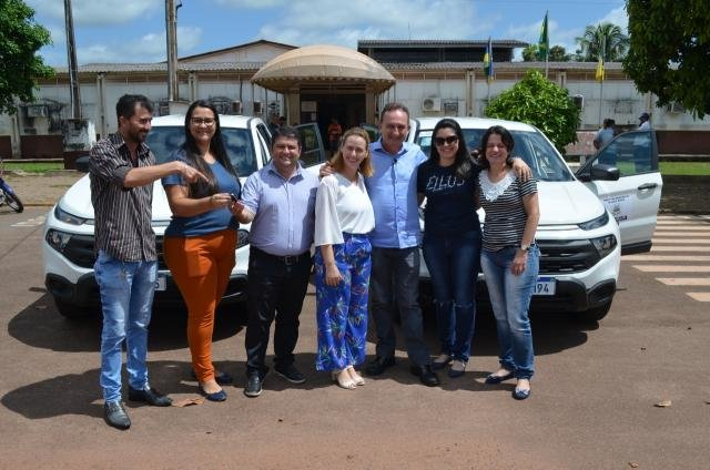 Saúde de Rolim de Moura é contemplada com duas camionetes - Gente de Opinião