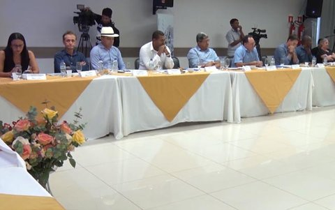 Prefeitos de Rondônia pedem socorro ao governador