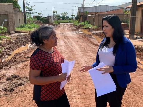 Vereadora Cristiane Lopes cobra finalização dos trabalhos na rua Dois Irmãos, bairro Lagoinha