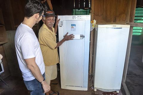Energisa beneficiará mais de 100 consumidores com geladeiras e lâmpadas novas e mais econômicas em Candeias do Jamari