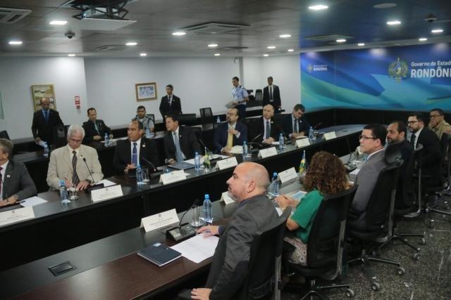 O presidente da República em exercício, general Mourão, acompanhou a apresentação realizada pelo governador Marcos Rocha - Gente de Opinião
