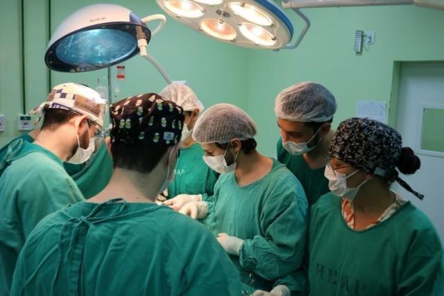Sete cirurgiões participaram do procedimento de transplante intervivos - Gente de Opinião