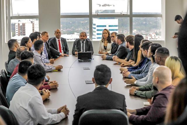 Assembleia Legislativa empossa mais 19 servidores concursados - Gente de Opinião