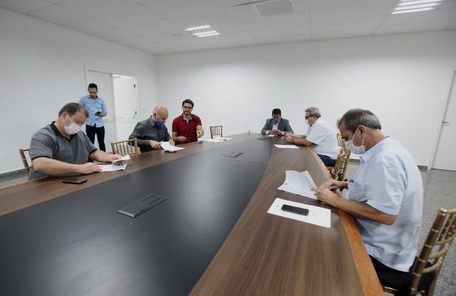 Governo de Rondônia vai contratar servidores emergenciais, diz secretário a deputados da Comissão que acompanha ações contra o Coronavírus - Gente de Opinião
