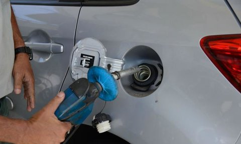 Gasolina: Petrobras espera que queda de preço chegue aos postos