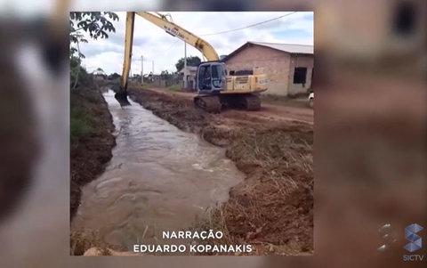 Limpeza de canal em Porto Velho deve conter alagações no bairro renascer