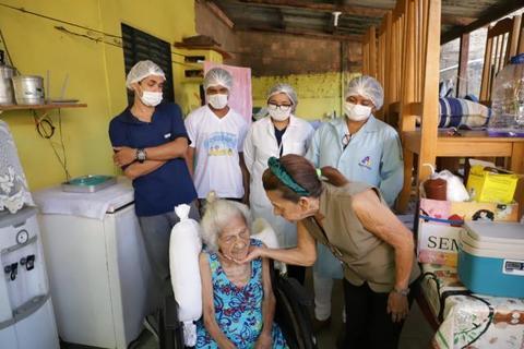 Vacinação de acamados continua sendo realizada pela prefeitura de Porto Velho